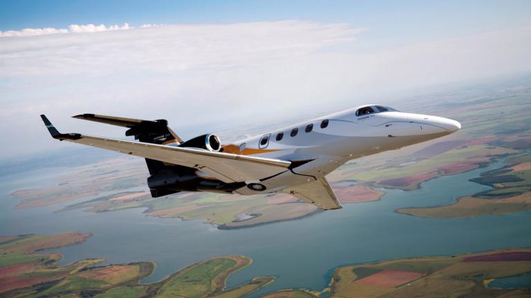 Embraer_Phenom300_exterior
