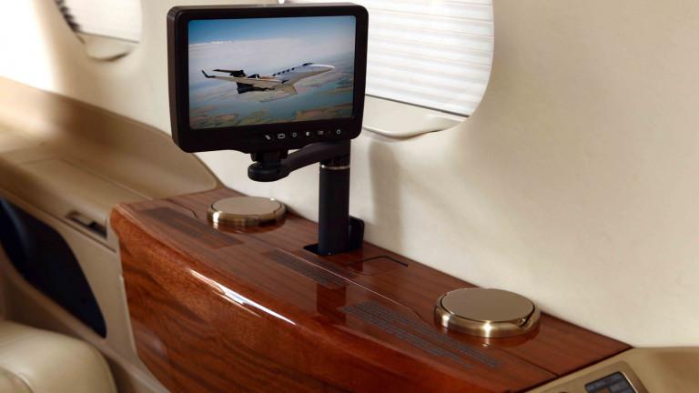 Embraer_Phenom300_interior
