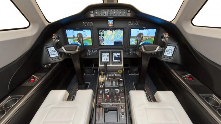 cessna_citation_latitude_cockpit