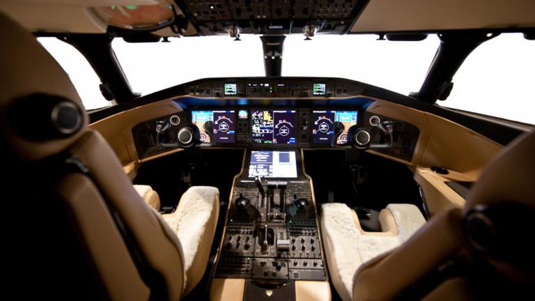 Bombardier_Globalexpress_6000_cockpit_1