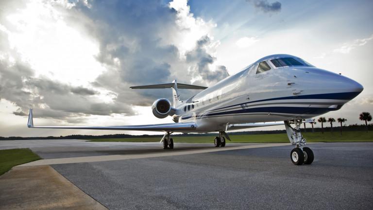 Gulfstream_G550_exterior3