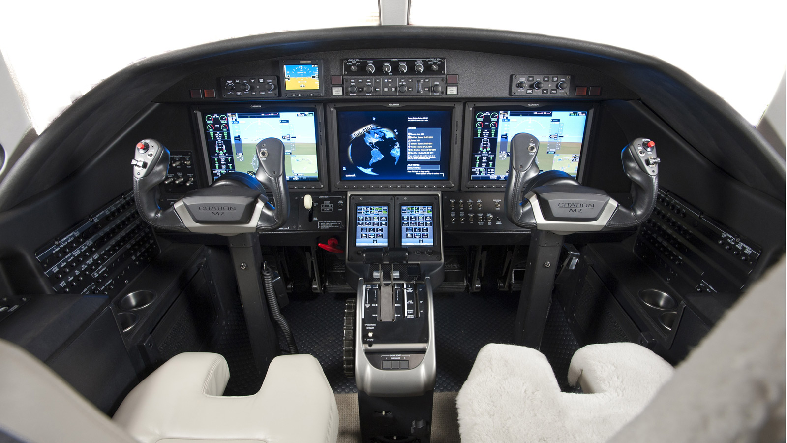 Cessna_Citation_M2_Cockpit