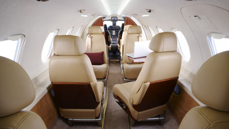 Embraer_Phenom300_interior