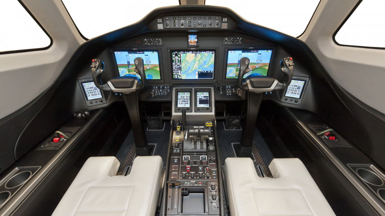 cessna_citation_latitude_cockpit