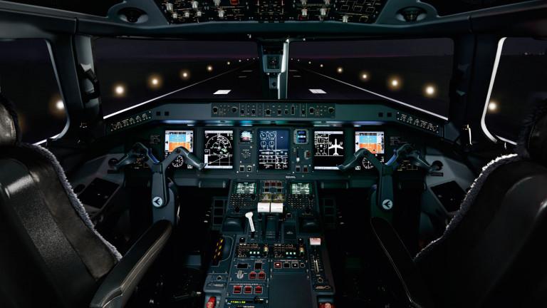 Embraer_Lineage_1000_cockpit