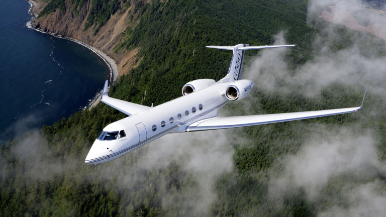Gulfstream_G550_exterior1