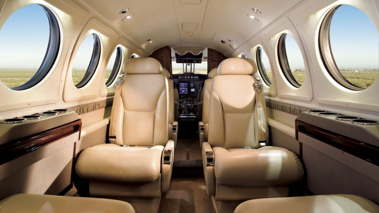 Beechcraft_KingAir_250_interior