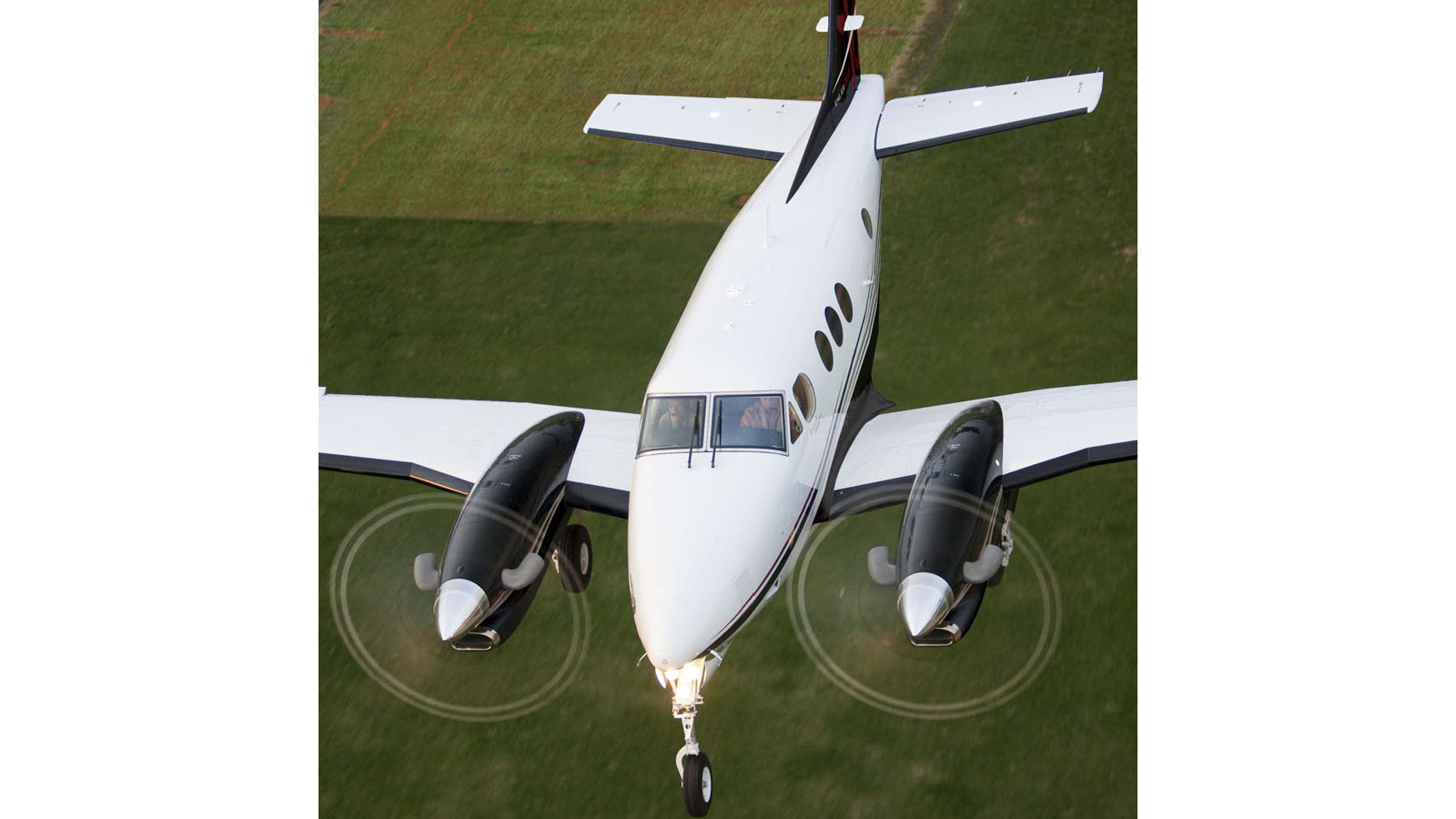 Beechcraft_King-Air-C90GTx2